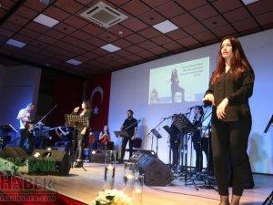 İşaret dili eşliğinde Barış Manço Konseri büyük ilgi gördü