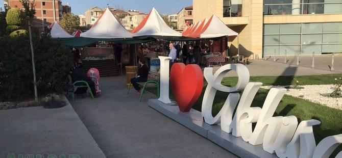 Akhisar'da Anadolu Yöresel Ürünleri ve El Sanatları Fuarı açıldı.