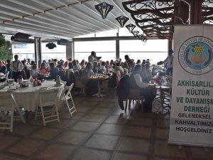 Akhisar Kültür ve Dayanışma Derneği'nin İzmir Karşıyaka'da düz