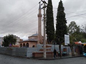 Akhisar Gülruh Yeni Camii restorasyon çalışmaları devam ediyor
