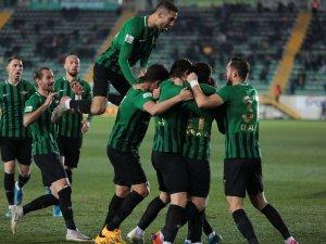 TFF 1.Lig, Akhisarspor, E.G. Menemenspor ilk devre fotoğrafları