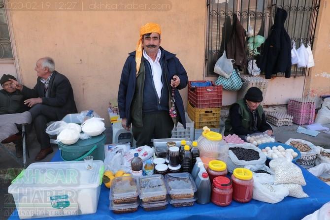 Akhisar'da Çarşamba günleri kurulan köylü pazarından objektiflerimi 1
