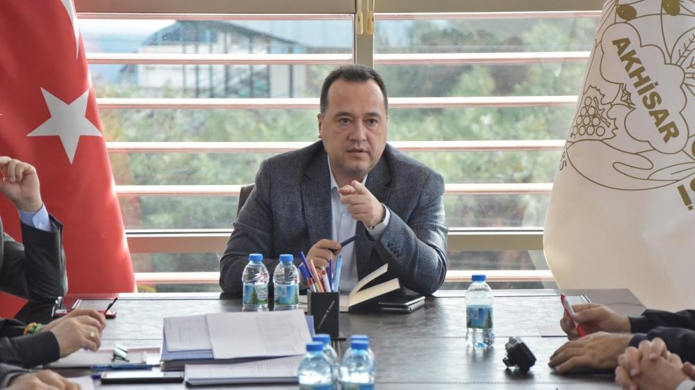 Akhisar Belediyesi Başkanı Besim Dutlulu, müdürleri ile toplantı yaptı 1