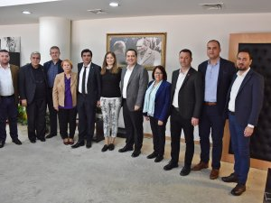 Seçimi kaybeden CHP İl Başkan Adayı Durbay, Başkan Besim Dutlulu'yu