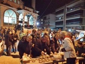 Akhisar Belediyesi'nden kandil helvası