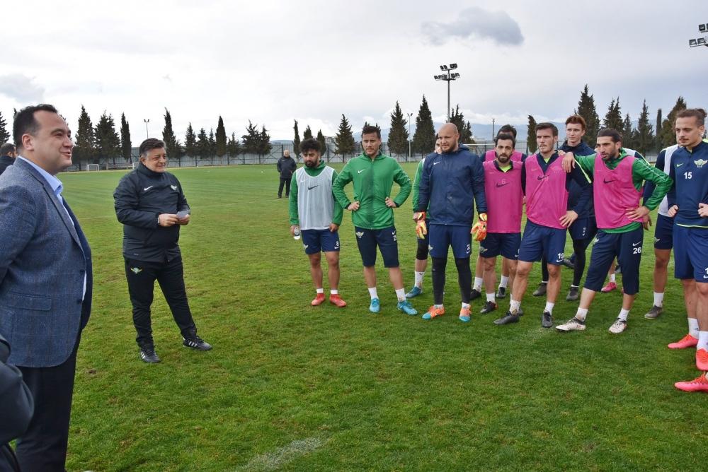 Belediye Başkanı Besim Dutlulu'dan, Akhisarspor'a ziyaret 1