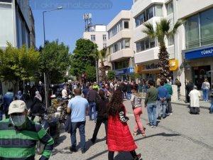 Akhisar'da 27 Nisan'da sokak ve caddeler doldu taştı