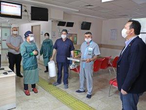 Başkan Besim Dutlulu, sağlıkçıların bayramını kutladı