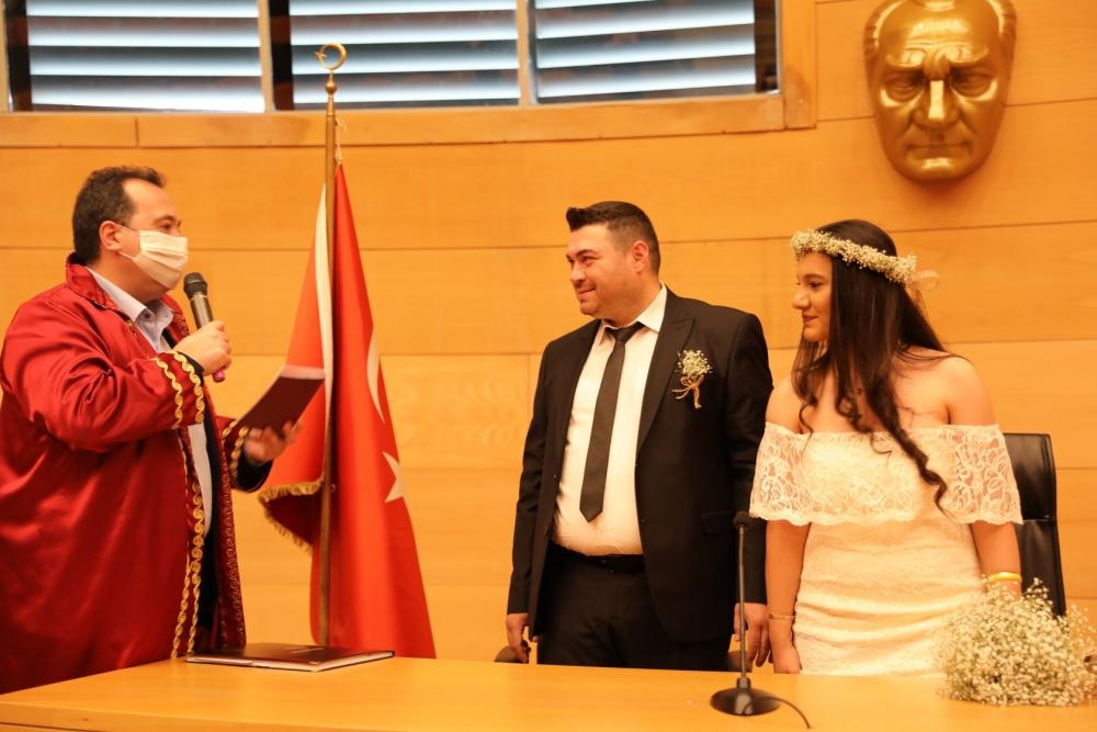 Başkan Besim Dutlulu 2 çiftin nikahını kıydı 1