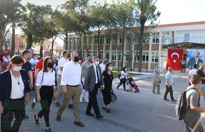 Akhisar Belediyesi'nden 19 Mayıs'ın 102.yılına özel kutlama 1