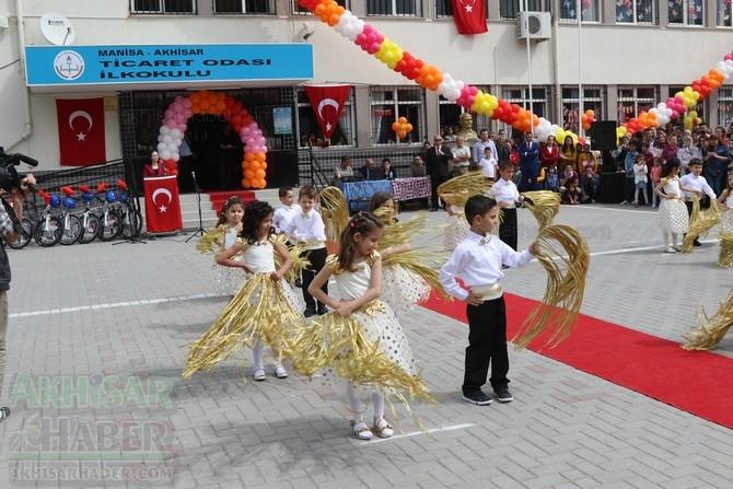 Akhisar'da 23 Nisan Çocuk Bayramı'nın 96.Yıl Kutlama Programı galerisi resim 70