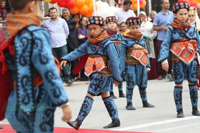 Akhisar'da 23 Nisan Çocuk Bayramı'nın 96.Yıl Kutlama Programı galerisi resim 96