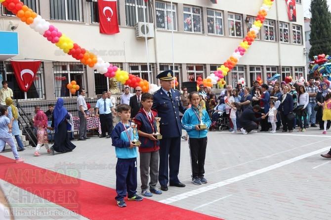 Akhisar'da 23 Nisan Çocuk Bayramı'nın 96.Yıl Kutlama Programı 99