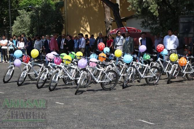 Akhisar'da 19 Mayıs Atatürk'ü Anma, Gençlik ve Spor Bayramı 97 11