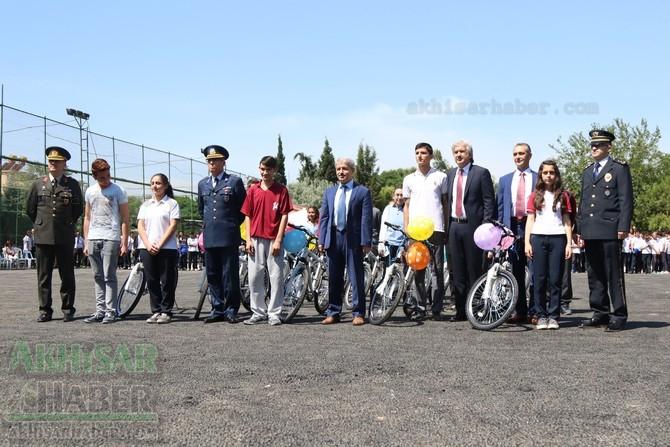 Akhisar'da 19 Mayıs Atatürk'ü Anma, Gençlik ve Spor Bayramı 97 47