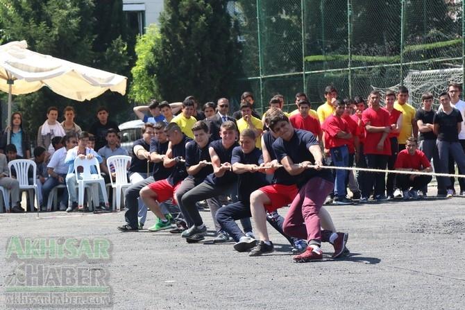 Akhisar'da 19 Mayıs Atatürk'ü Anma, Gençlik ve Spor Bayramı 97 80