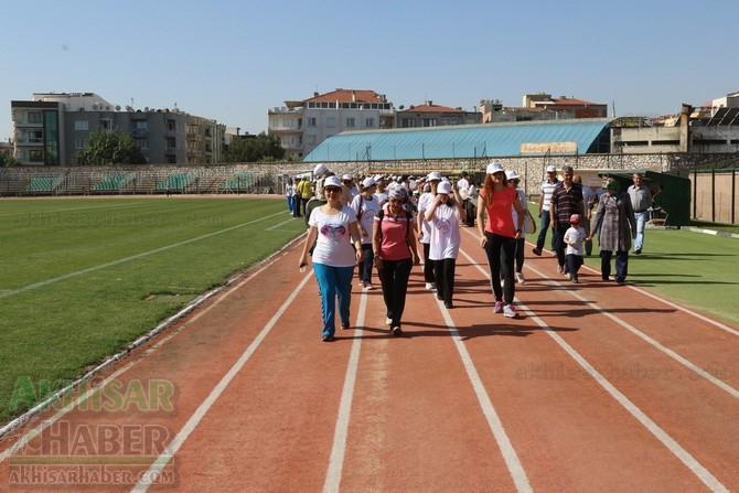 Akhisar'da Obezite'ye karşı hareketli yaşam yürüyüşü yapıldı 12