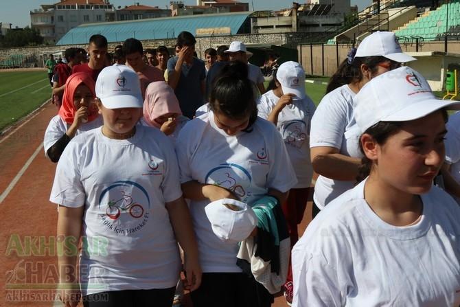 Akhisar'da Obezite'ye karşı hareketli yaşam yürüyüşü yapıldı galerisi resim 19
