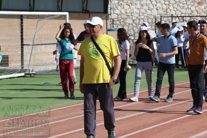 Akhisar'da Obezite'ye karşı hareketli yaşam yürüyüşü yapıldı 20
