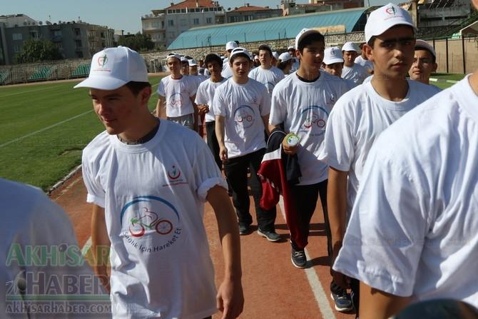 Akhisar'da Obezite'ye karşı hareketli yaşam yürüyüşü yapıldı 24