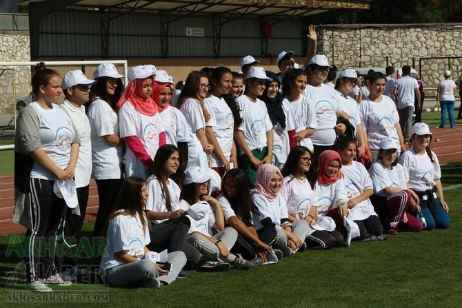 Akhisar'da Obezite'ye karşı hareketli yaşam yürüyüşü yapıldı galerisi resim 3