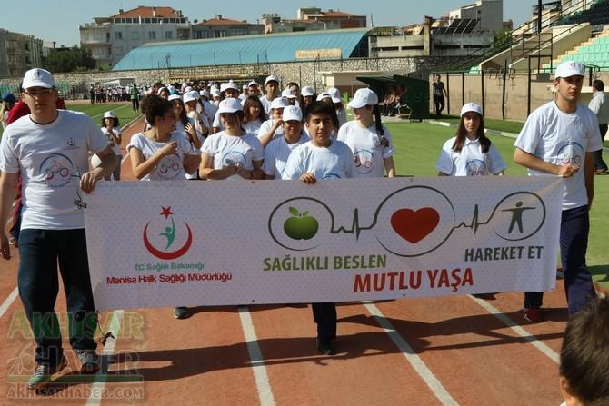 Akhisar'da Obezite'ye karşı hareketli yaşam yürüyüşü yapıldı 33