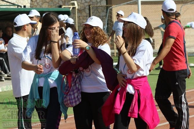 Akhisar'da Obezite'ye karşı hareketli yaşam yürüyüşü yapıldı 9