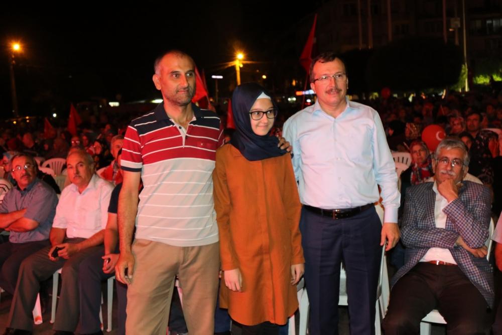 Akhisar'da demokrasi nöbeti 16.gününde de devam ediyor galerisi resim 16