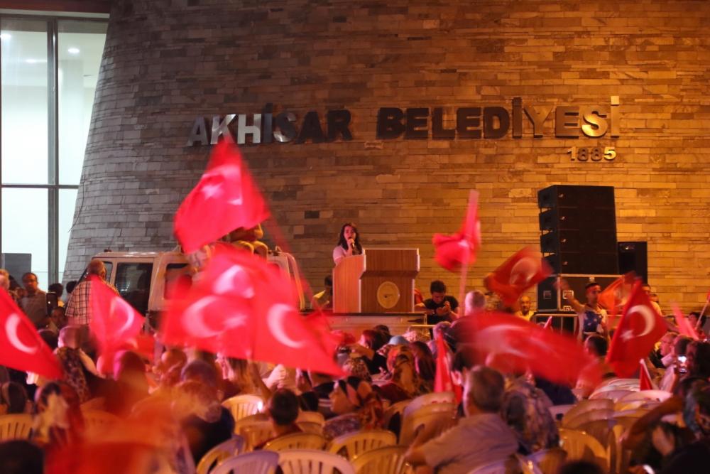 Akhisar'da demokrasi nöbeti 16.gününde de devam ediyor 22