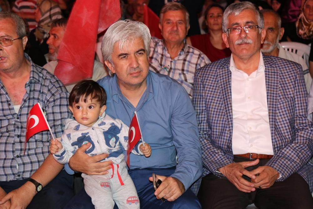 Akhisar'da demokrasi nöbeti 16.gününde de devam ediyor 25
