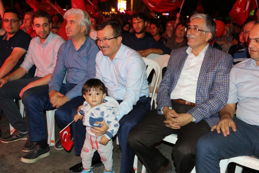Akhisar'da demokrasi nöbeti 16.gününde de devam ediyor 27