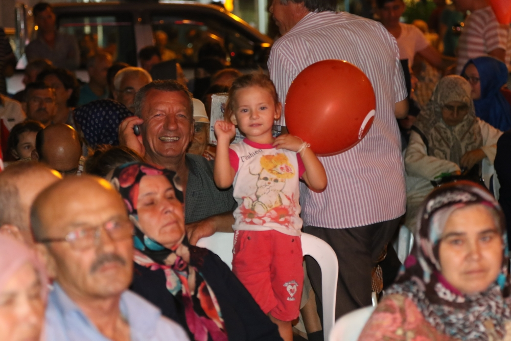 Akhisar'daki demokrasi nöbeti 17. gün 14