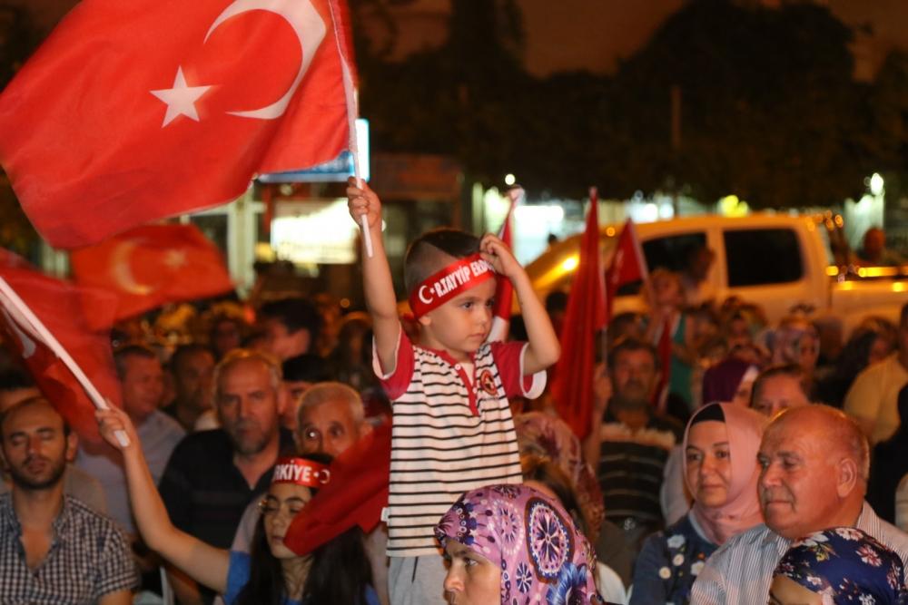 Akhisar'daki demokrasi nöbeti 17. gün 15