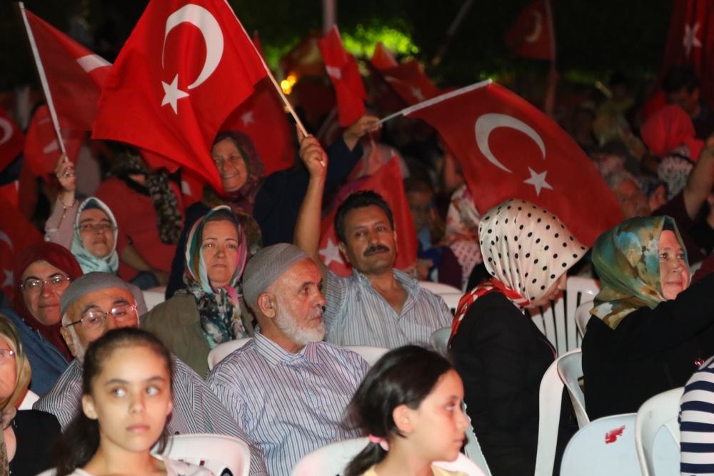 Akhisar'daki demokrasi nöbeti 17. gün 18