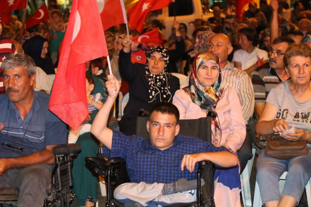 Akhisar'daki demokrasi nöbeti 17. gün 19