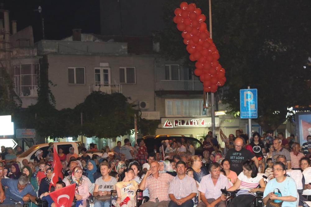Akhisar'daki demokrasi nöbeti 17. gün 21