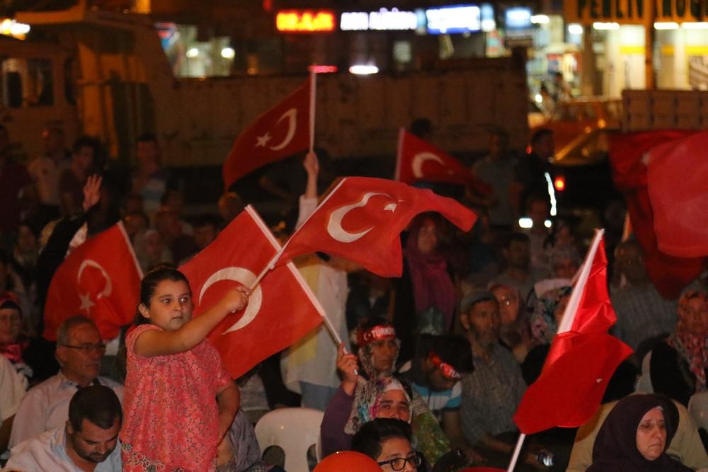 Akhisar'daki demokrasi nöbeti 17. gün 23