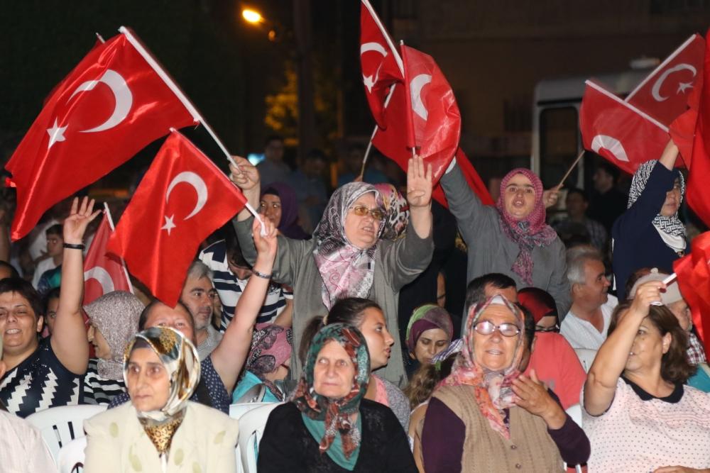 Akhisar'daki demokrasi nöbeti 17. gün 24