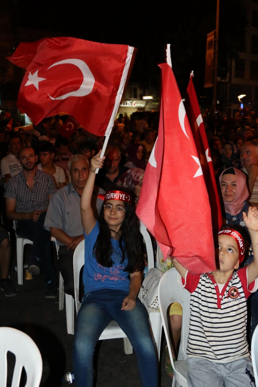 Akhisar'daki demokrasi nöbeti 17. gün 25