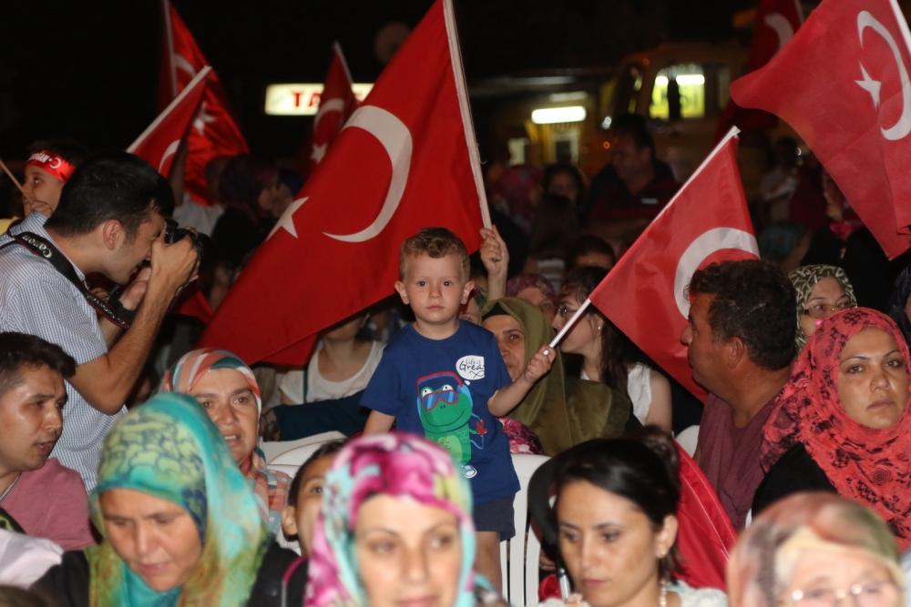 Akhisar'daki demokrasi nöbeti 17. gün 4