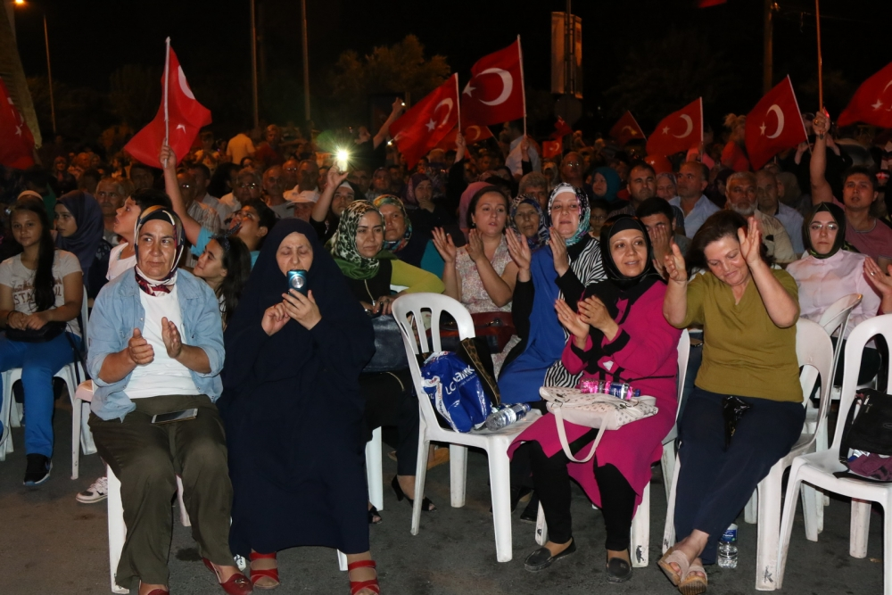 Akhisar'daki demokrasi nöbeti 17. gün 6