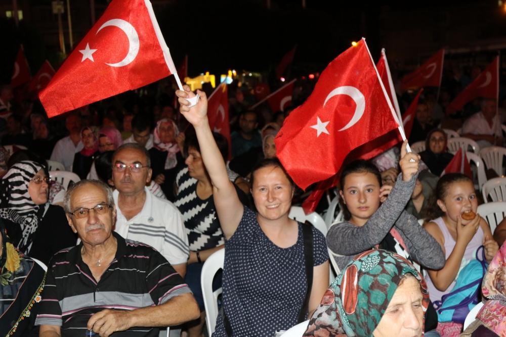 Akhisar'daki demokrasi nöbeti 17. gün 8
