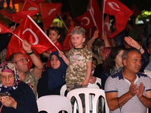 Akhisar'daki demokrasi nöbeti 17. gün