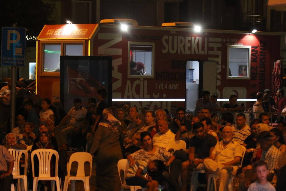 Akhisar demokrasi nöbeti 18. günü 12
