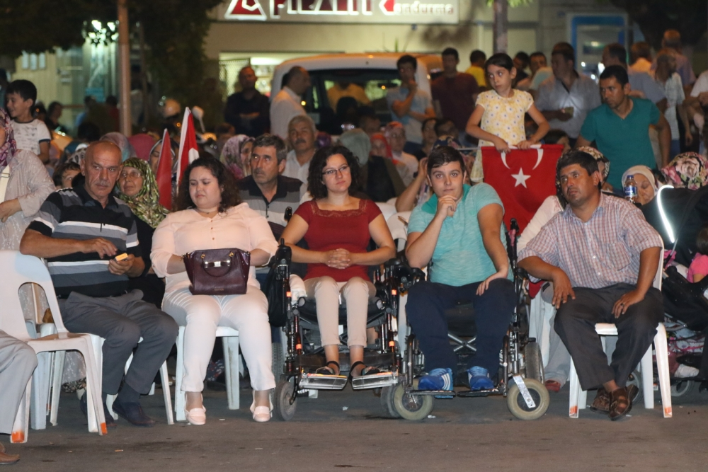 Akhisar demokrasi nöbeti 18. günü 15