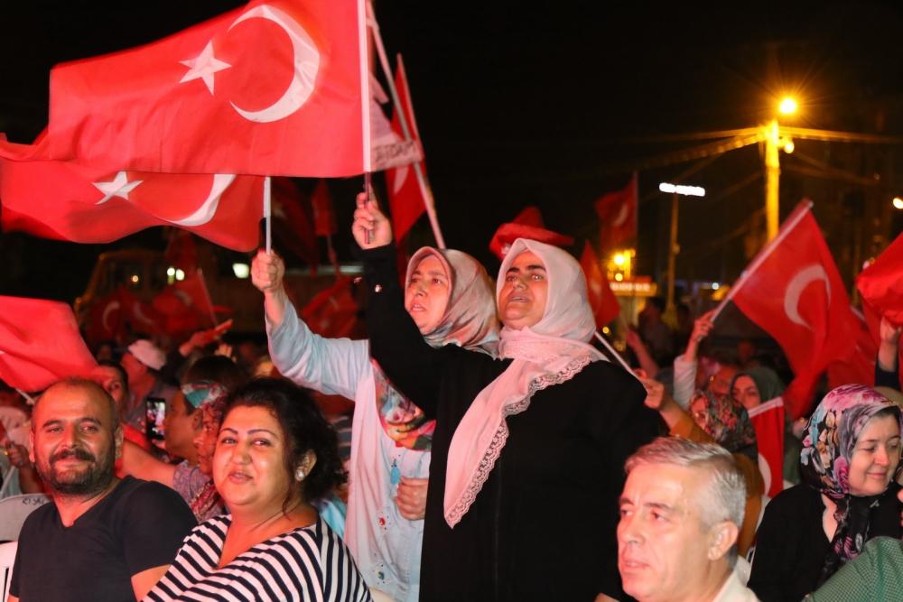 Akhisar demokrasi nöbeti 18. günü galerisi resim 16