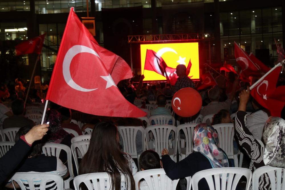 Akhisar demokrasi nöbeti 18. günü 33