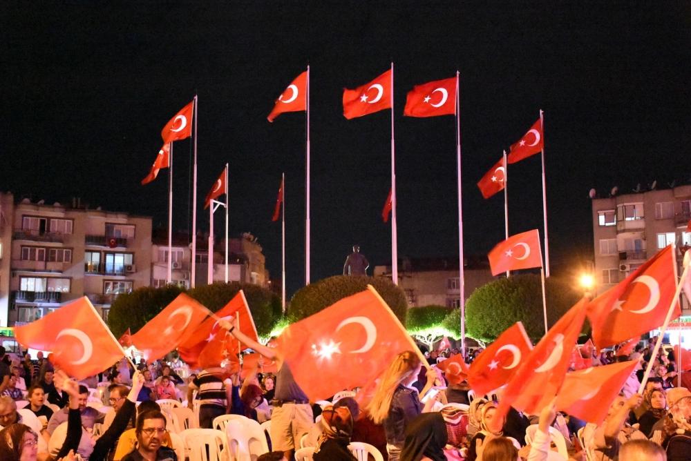 Akhisar demokrasi nöbeti 18. günü 37
