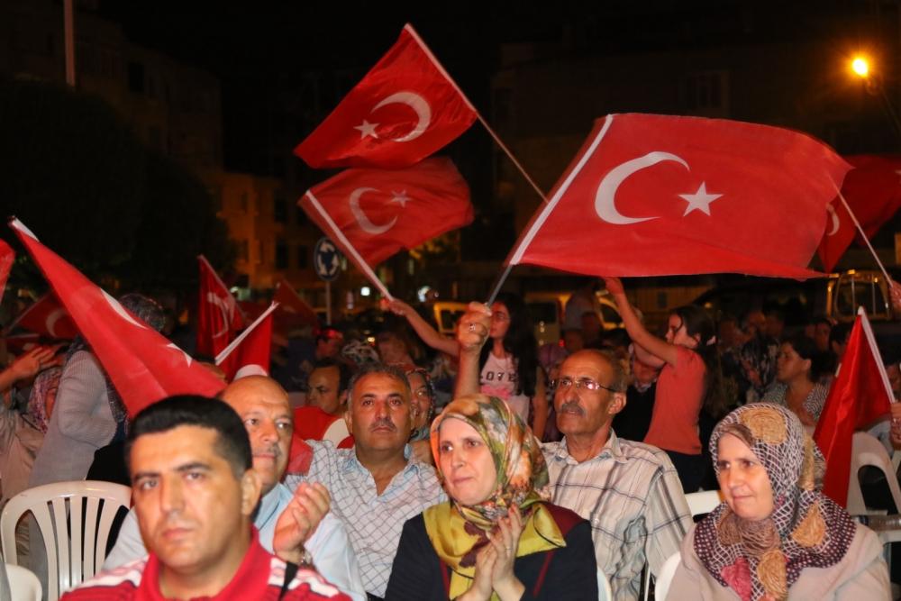 Akhisar demokrasi nöbeti 18. günü 4