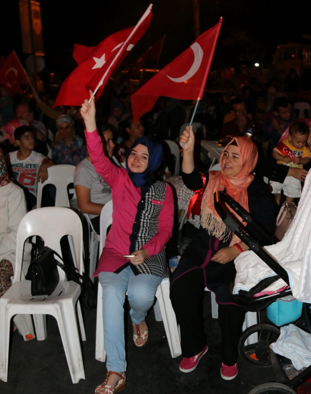 Akhisar demokrasi nöbeti 18. günü 40